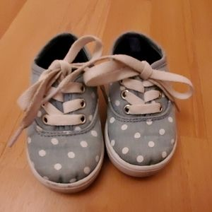 Carter's toddler sneakers size 5